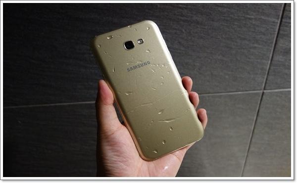 Samsung A7 2017.jpg
